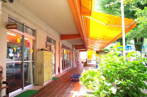 昭和45年当時から先月(平成28年7月)まで利用されていた南側の園舎(職員室前廊下)