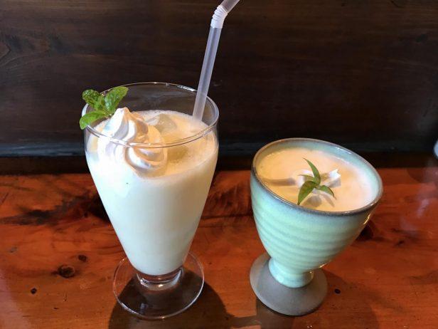 Green Beansの焼いもジュース。(左)アイス(右)ホット。